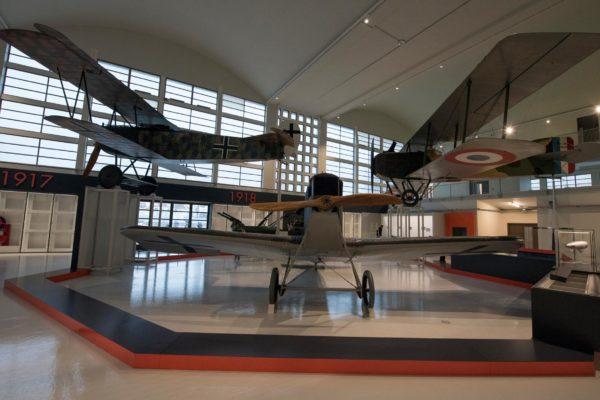 ALLESTIMENTO--Musée-de-l'Air-et-de-l'Espace-Le-Bourget-Paris-UFFICIALI-1