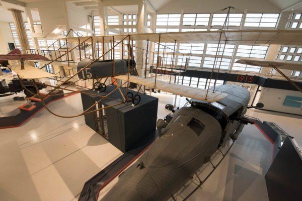 ALLESTIMENTO--Musée-de-l'Air-et-de-l'Espace-Le-Bourget-Paris-UFFICIALI-16