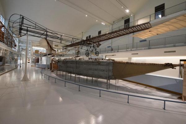 ALLESTIMENTO--Musée-de-l'Air-et-de-l'Espace-Le-Bourget-Paris-UFFICIALI-6
