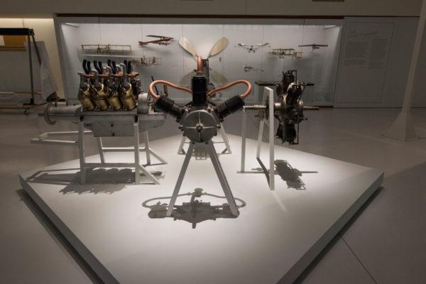 ALLESTIMENTO--Musée-de-l'Air-et-de-l'Espace-Le-Bourget-Paris-UFFICIALI-7