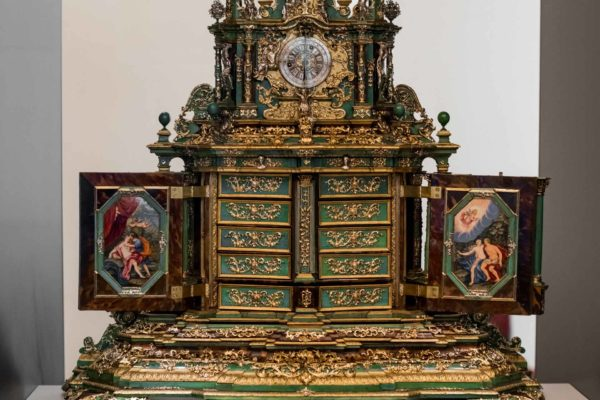 ALLESTIMENTO-MOSTRA-CARTIER-HERMITAGE-2021-IMG024-