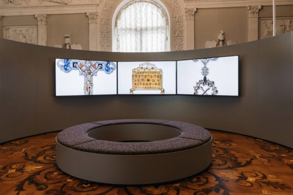 ALLESTIMENTO-MOSTRA-CARTIER-HERMITAGE-2021-IMG045-