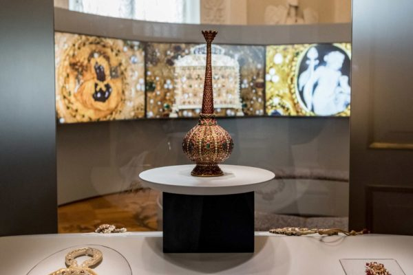 ALLESTIMENTO-MOSTRA-CARTIER-HERMITAGE-2021-IMG050-
